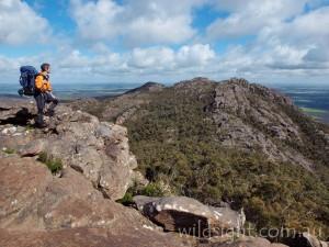 Rock overhang en route to Djibalara