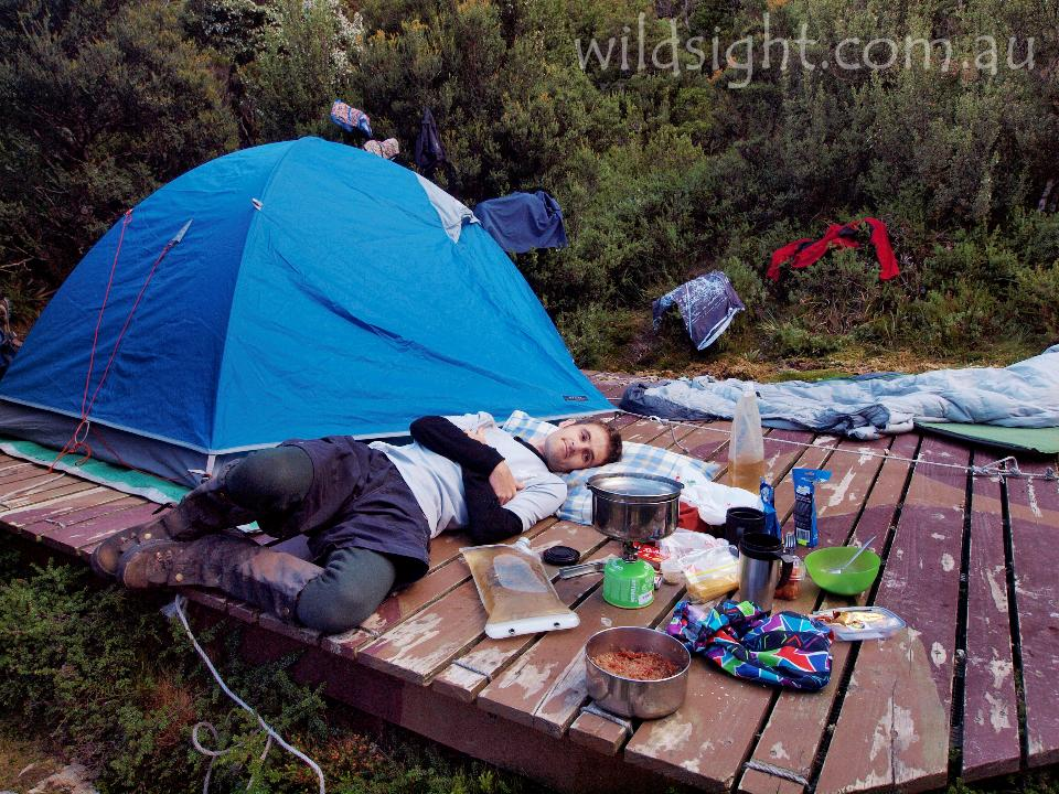 Recovering after a long dayu0027s walking on Lake Cygnus tent platform. « & Lake Cygnus tent platform - Wild Sight